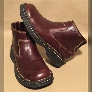 B.O.R.N NWOT LEATHER ANKLE BOOTS